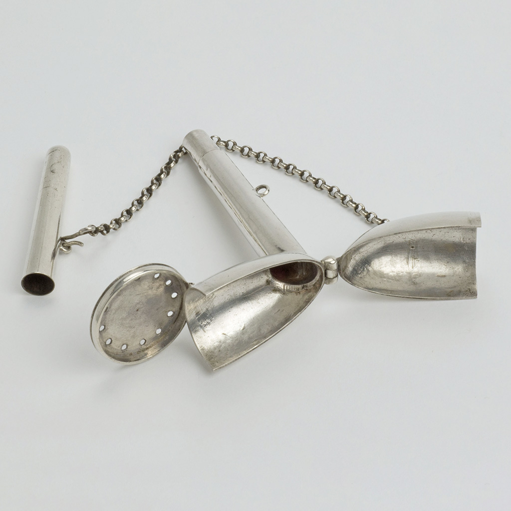 An Unmarked Silver Officer's Pipe Case.