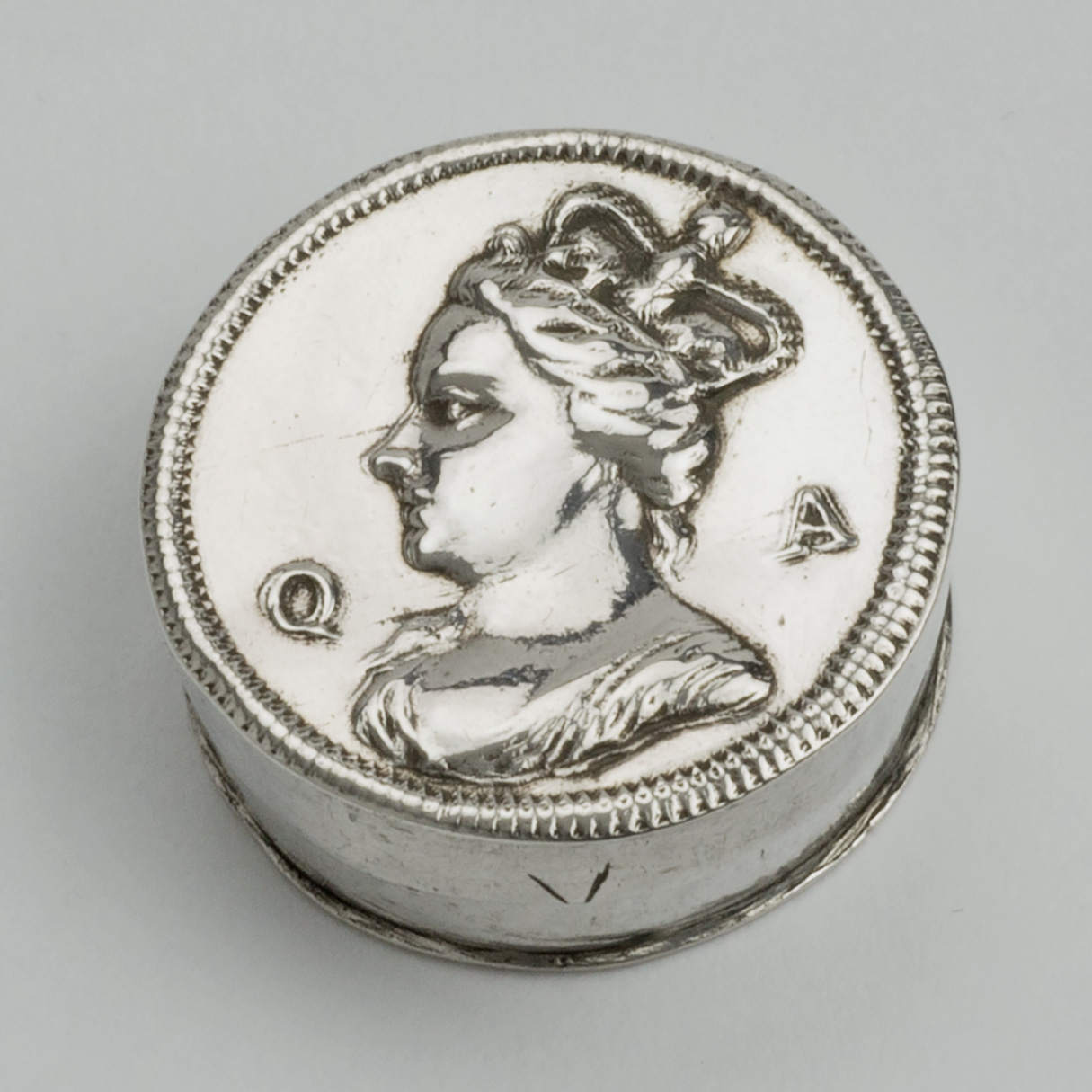 A Queen Anne Silver Patch Or Counter Box.