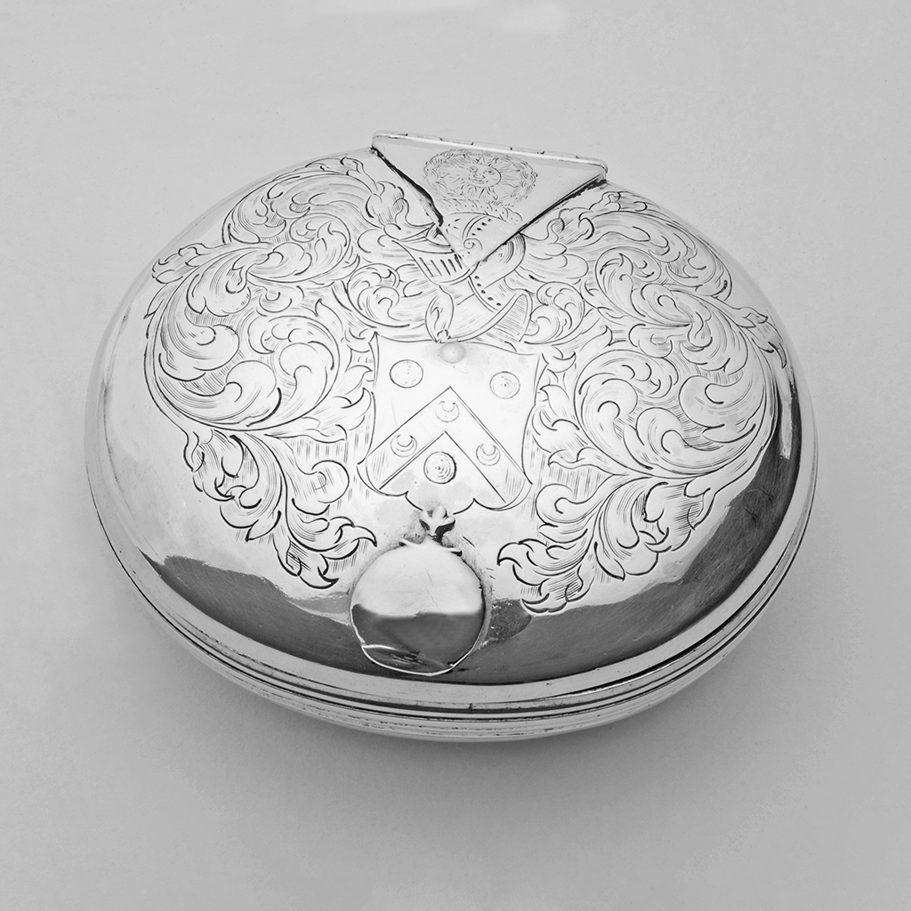 A 17 Th Century English Silver Tobacco Box.