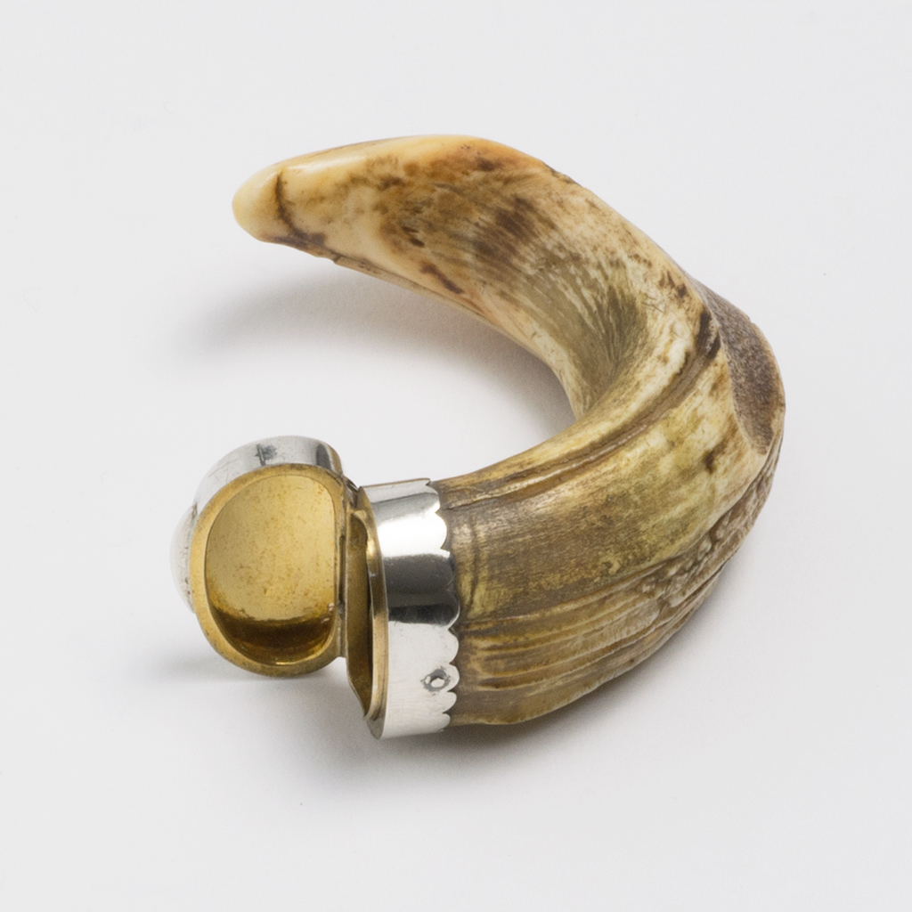 A 19th Century Unmarked Silver Mounted Small Snuff Mull.