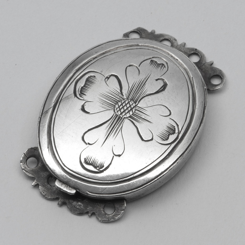A Late 17th Century Silver Clasp For A Bracelet Or Necklace.
