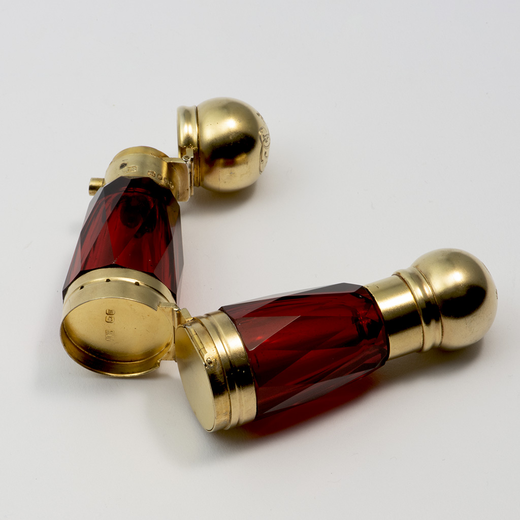 Queen Victoria's Vinaigrette Cum Scent Bottle.